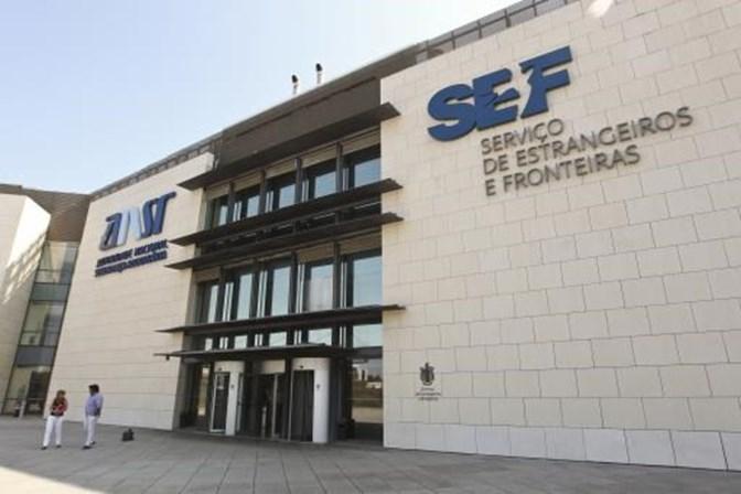 Dois diretores do SEF colocam lugares à disposição