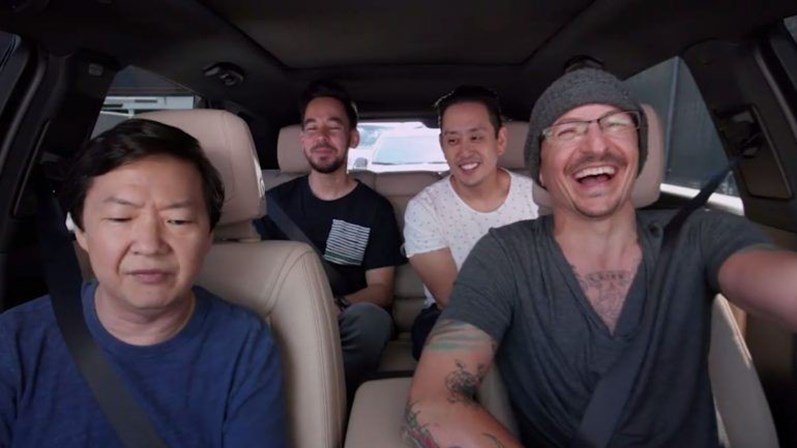 Chester Bennington no Carpool Karaoke gravado dias antes da morte — Vídeo