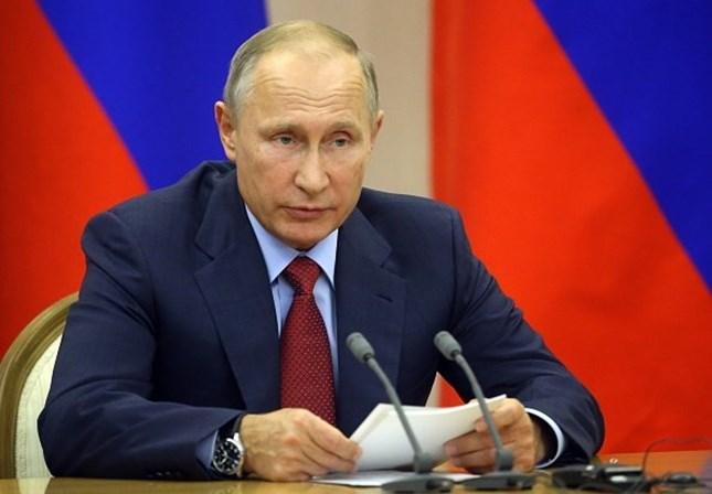 Putin prepara-se para retirar tropas russas da Síria