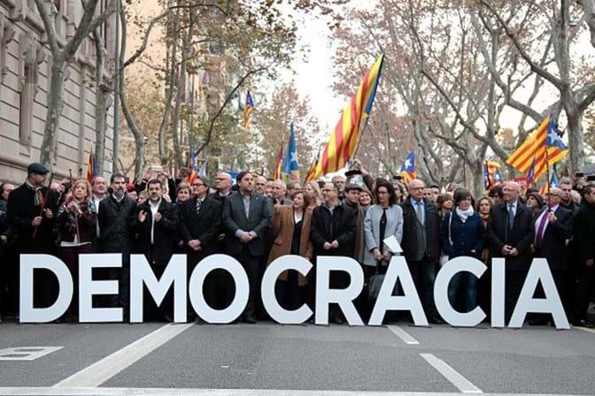 Presidente do Parlamento catalão denuncia