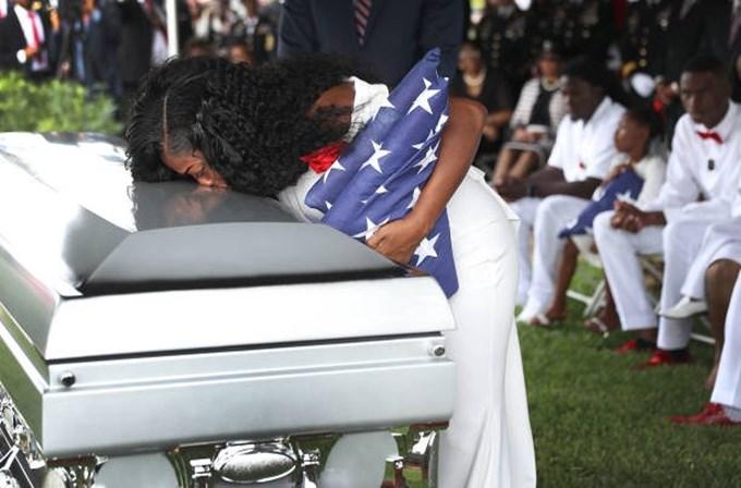 Trump fez chorar viúva de soldado norte-americano
