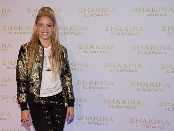 Shakira adia turnê por hemorragia nas cordas vocais