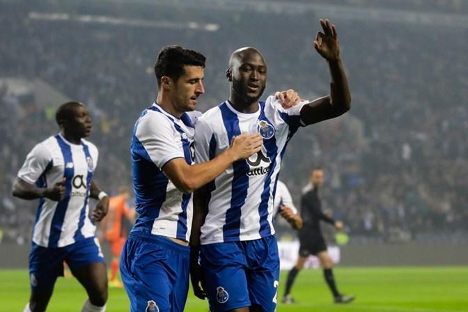 Vítor Oliveira aposta na surpresa frente ao FC Porto