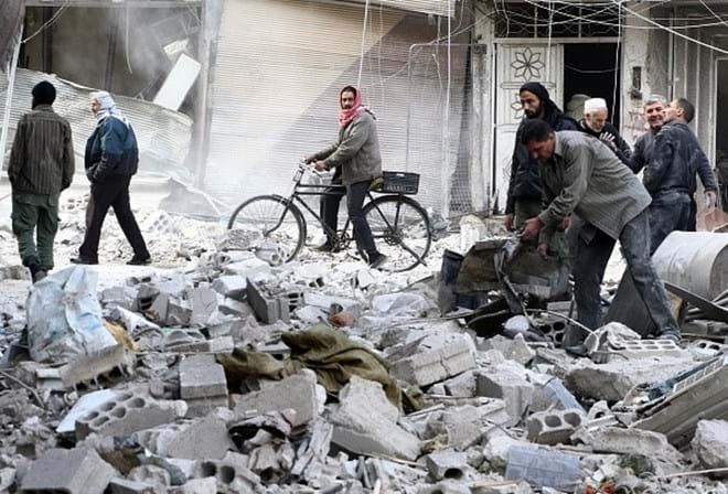 Ataques aéreos russos matam 34 civis no leste da Síria (OSDH)