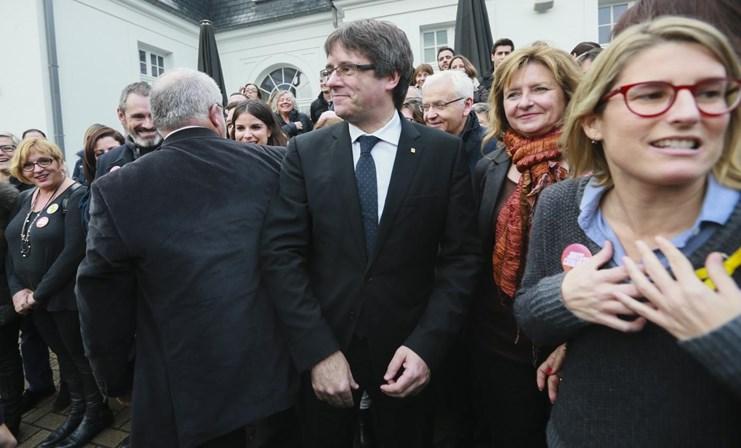 Presidente deposto da Catalunha lança campanha eleitoral
