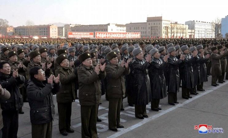 Avião passa 'ao lado' do míssil lançado pela Coreia do Norte