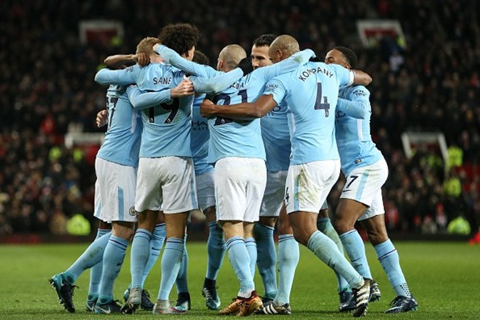 City bate United e segue invicto na liga inglesa