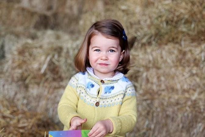 William e Kate divulgam foto do cartão de Natal da família real