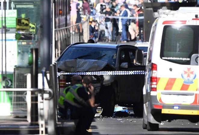 Atropelamento deixa 15 pessoas feridas, na Austrália