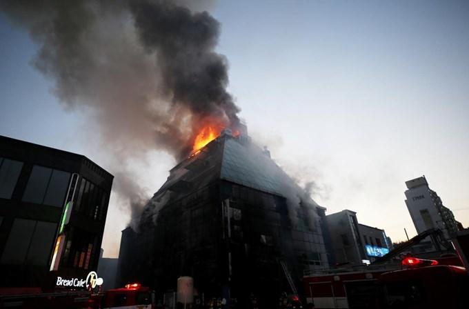 Pavor do fogo mata 29 numa sauna na Coreia do Sul