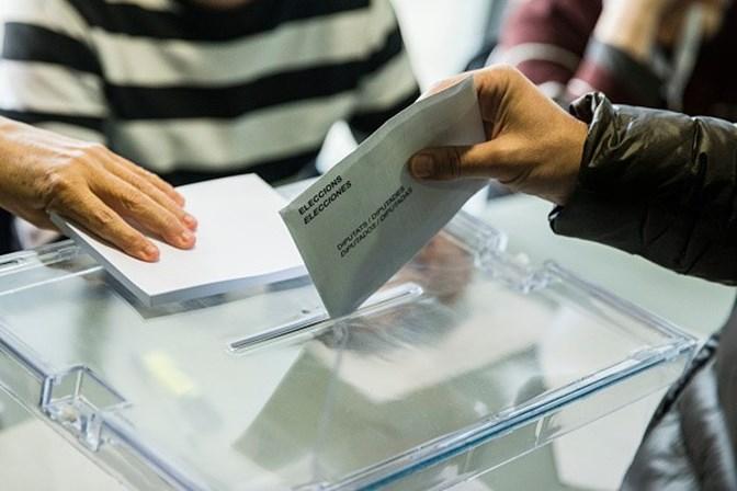 Independentistas derrotam nas urnas governo espanhol — Catalunha