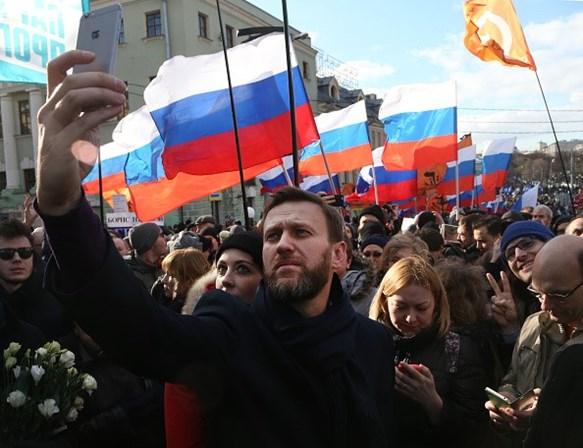 Adversário de Putin é proibido de concorrer às eleições na Rússia