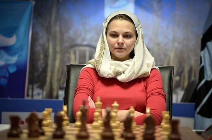 Bicampeã mundial de xadrez recusa participar em campeonato na Arábia Saudita