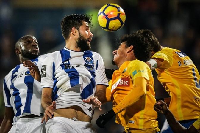 Liga confirma data e hora para segunda parte do Estoril-FC Porto