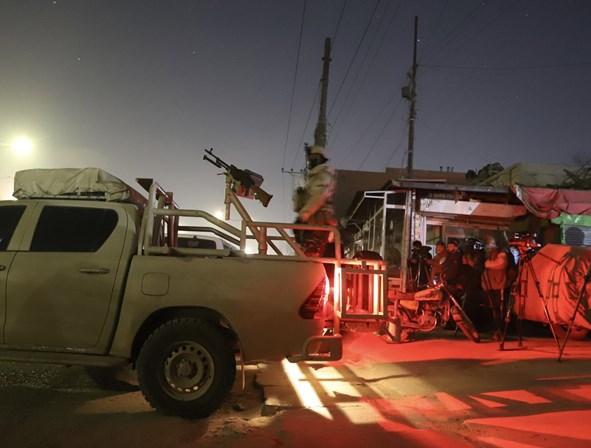 Hotel turístico fica sob ataque de insurgentes na capital do Afeganistão