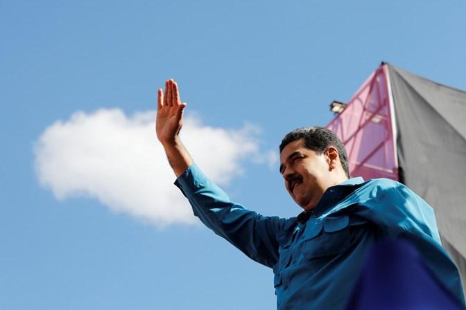 Maduro manobra eleição em benefício próprio, acusa oposição