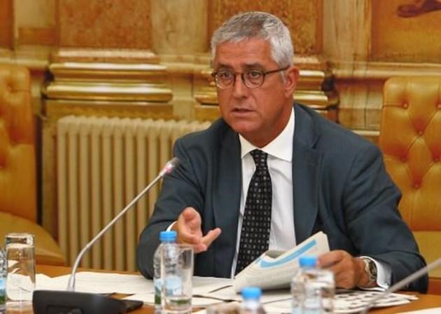 Negrão eleito líder parlamentar do PSD com mau resultado