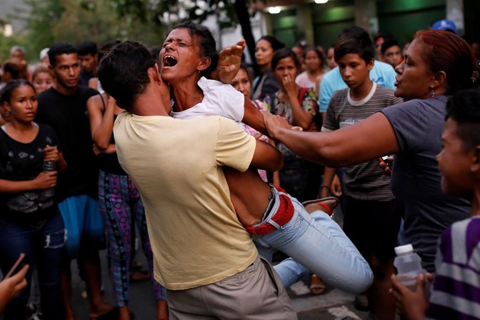 Incêndio em prisão deixa quase 70 mortos na Venezuela