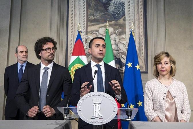 Presidente de Itália propõe nomeação de governo de tecnocratas