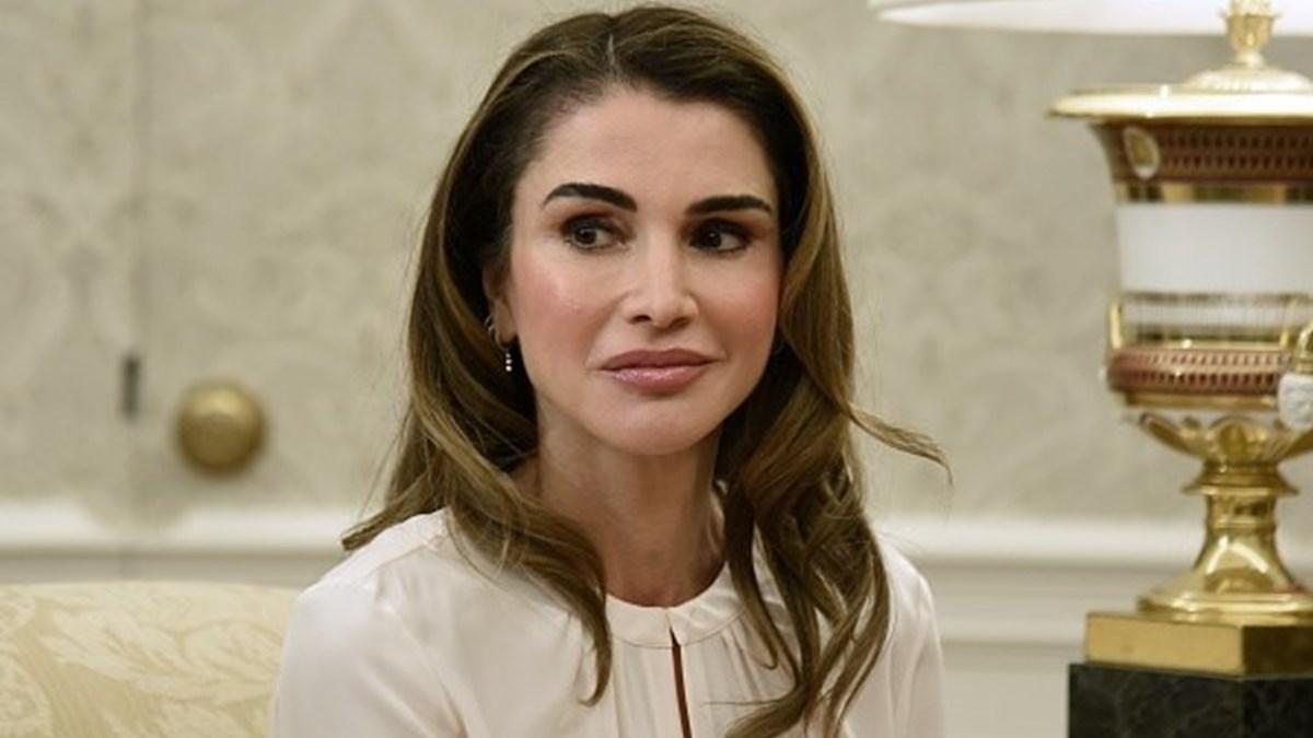 Rania Da Jordania Esta Irreconhecivel Social Sabado