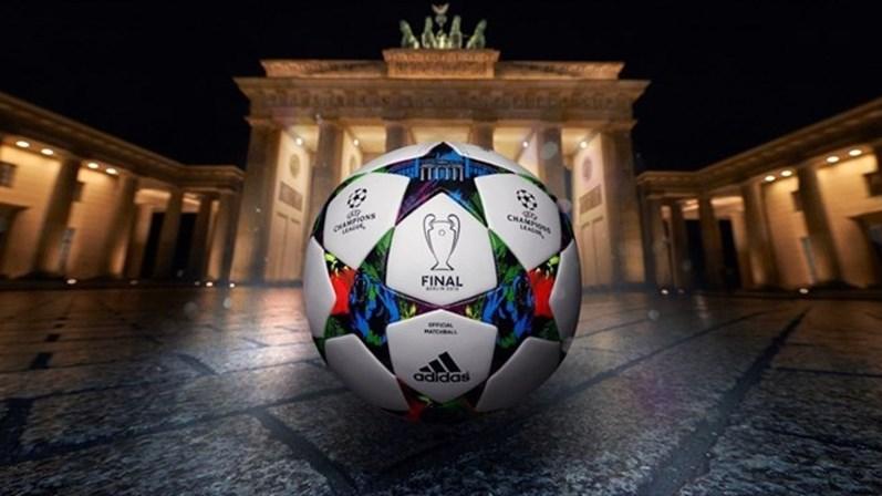 Nova bola da Champions League entra hoje em campo - Futebol - SÁBADO 6b09a7834dd90