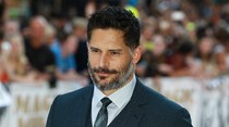 Joe Manganiello queixa-se de Photoshop no cartaz de Magic Mike XXL