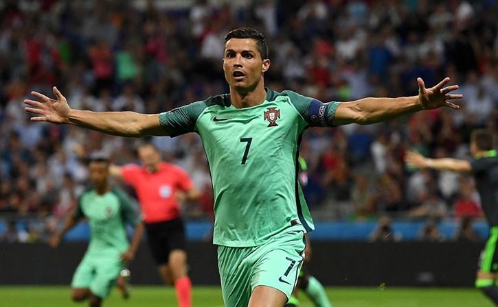 Ronaldo  Não esperava que Portugal ganhasse o Euro - Futebol - SÁBADO e487c9897eccc