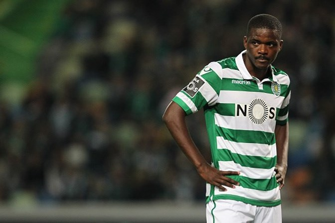 Amigos destroem Porsche de William Carvalho