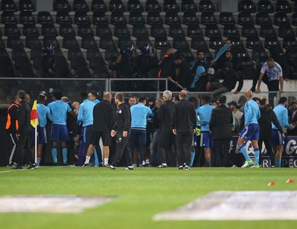 Jogadores e adeptos do Marselha envolvem-se em agressões - Desporto ... 02c8749c31151