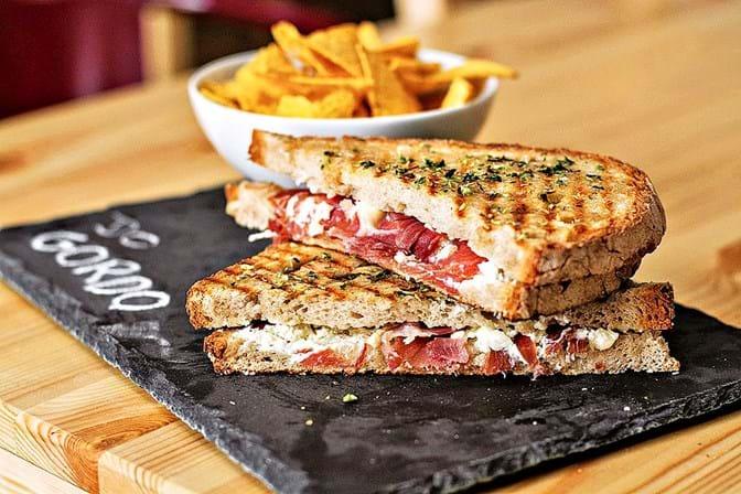 Os 100 melhores locais para ver o Mundial - Gourmet - SÁBADO d5fabe1dc6792