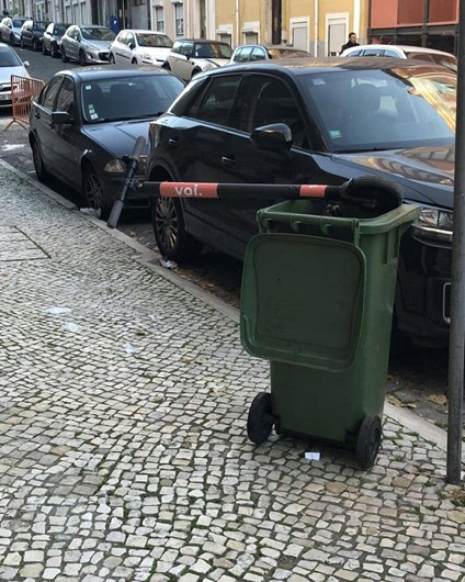 A conta do Instagram que revela as trotinetes mal estacionadas em Lisboa
