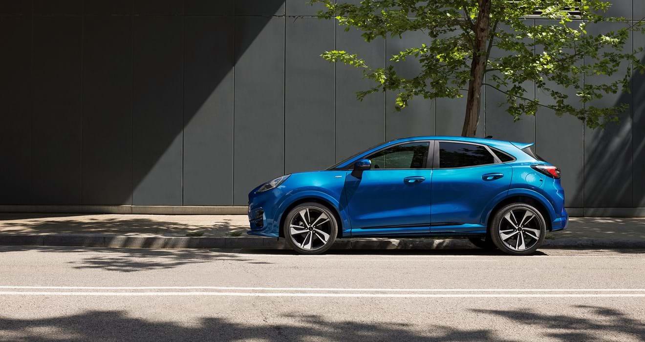 A cor Pantone de 2020 é apenas uma das 10 cores disponíveis para o Puma. Este é o primeiro modelo lançado pela Ford numa nova jornada que começa agora. O Ford Puma é o SUV que vem revolucionar a condução e mostrar o futuro!