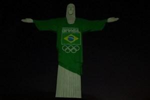 Faltam 100 dias para os Olímpicos e o Cristo Redentor iluminou-se