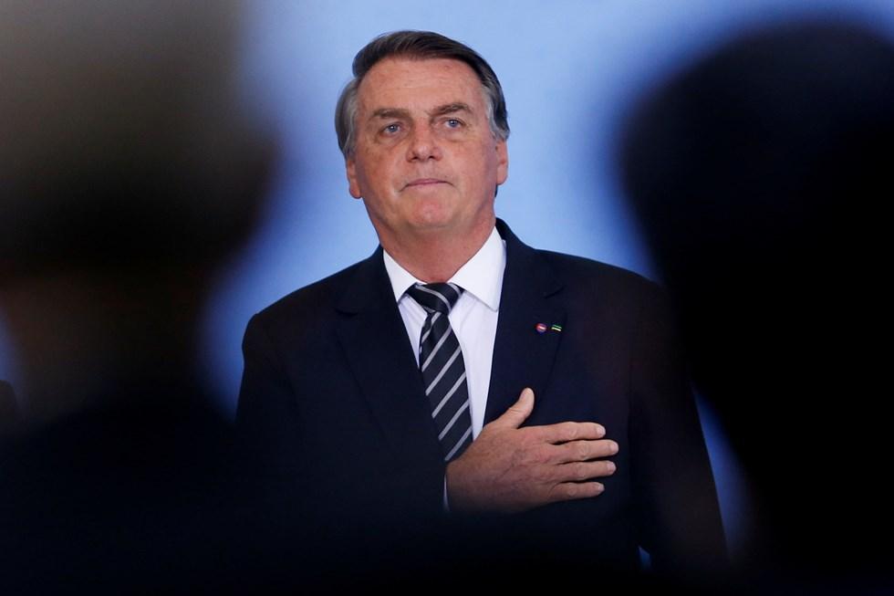 Bolsonaro questiona exigência de vacina nos estádios - Mundo - SÁBADO